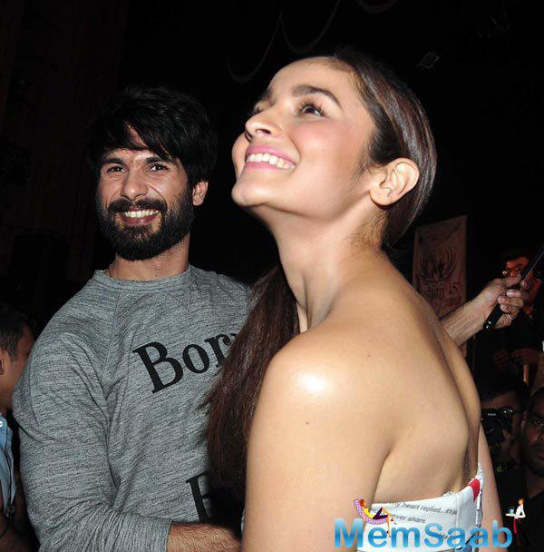 The Shaandaar Duo Launched The Second Song Of Their Upcoming Film At Mithibai College Festival