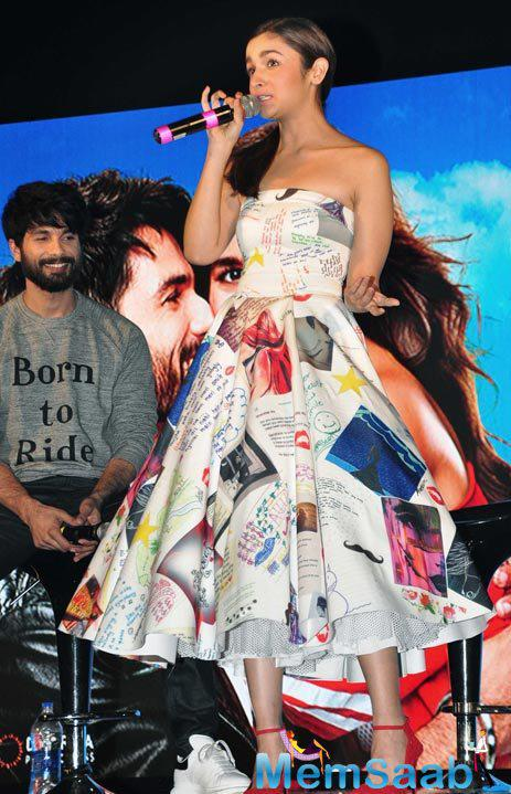 Shaandaar Title Track Shaam Shaandaar Was Launched By Lead Actors Alia  And Shahid