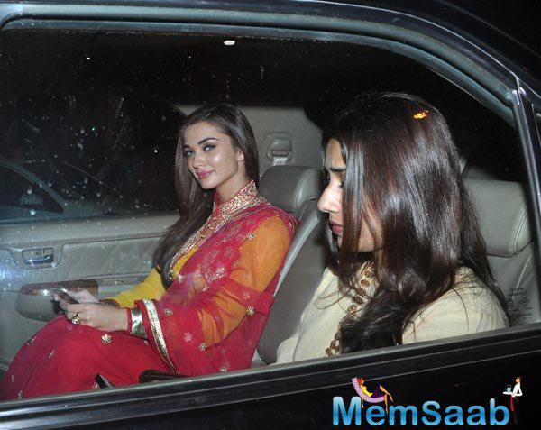 Amy Jackson Arrives At Salman Khan's House For Ganesh Chaturthi