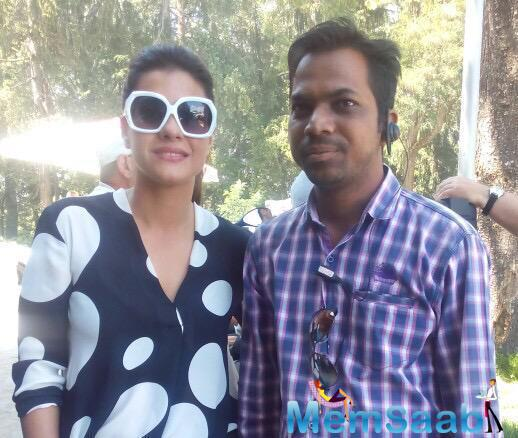 Kajol Now In Hydrabad For Dilwale Shoot