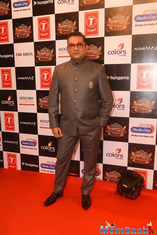 Abhijeet Bhattacharya Posed On Red Carpet At Suron Ke Rang Color Ke Sang Musical Event