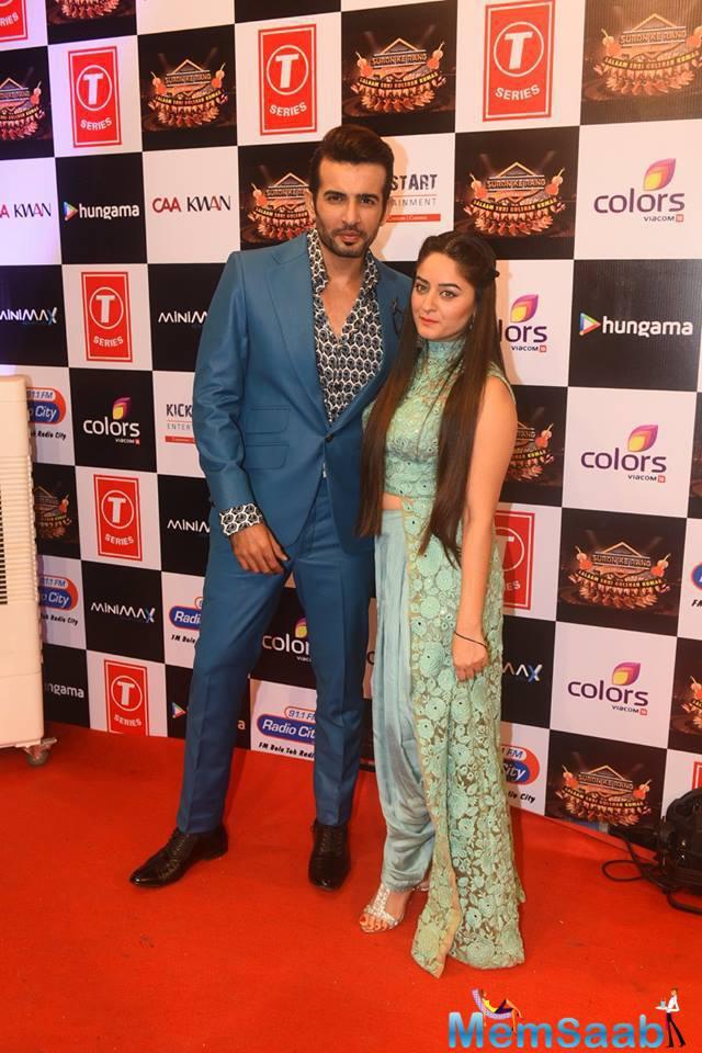 Jay Bhanushali Posed With Wife Mahi Vij At Suron Ke Rang Color Ke Sang Musical Event