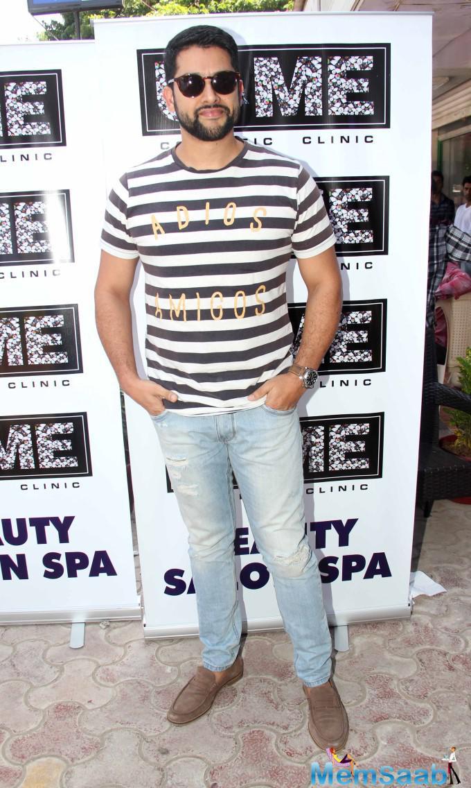 Aftab Shivdasani Strikes A Pose During The Opening Of U And Me Salon