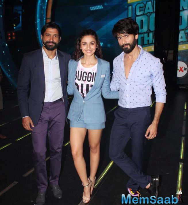 Shahid And Alia Spotted At Farhan's New Show I Can Do That For Shaandaar Promotion