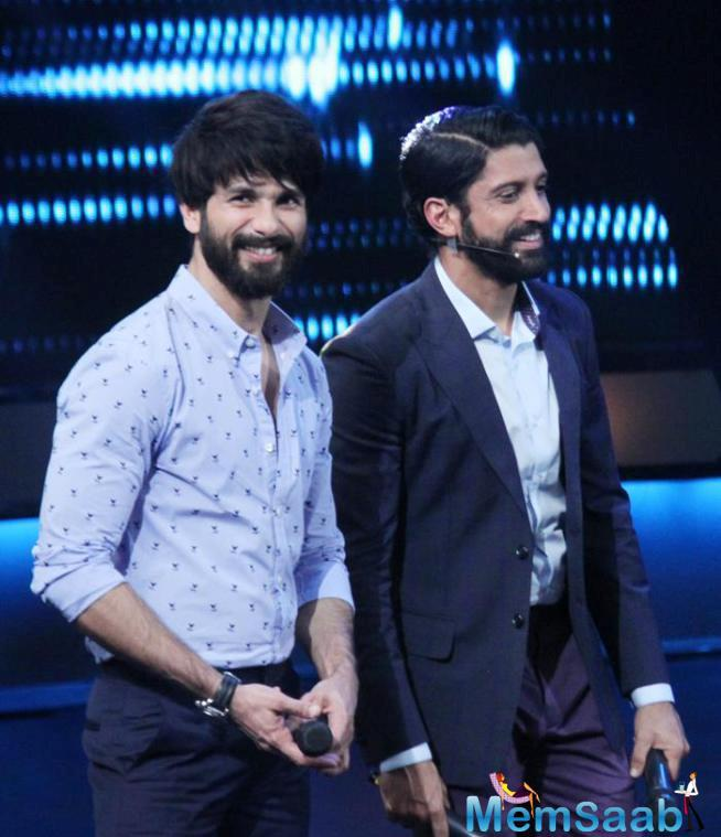Shahid And Farhan All Smiles On The Sets Of I Can Do That