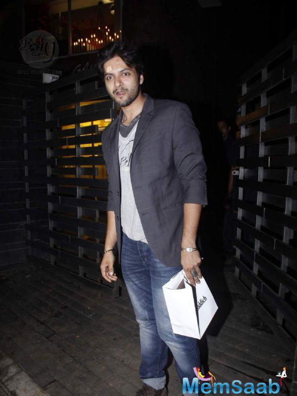 Ali Fazal Put In An Appearance Looking Cool In A Blazer And Jeans
