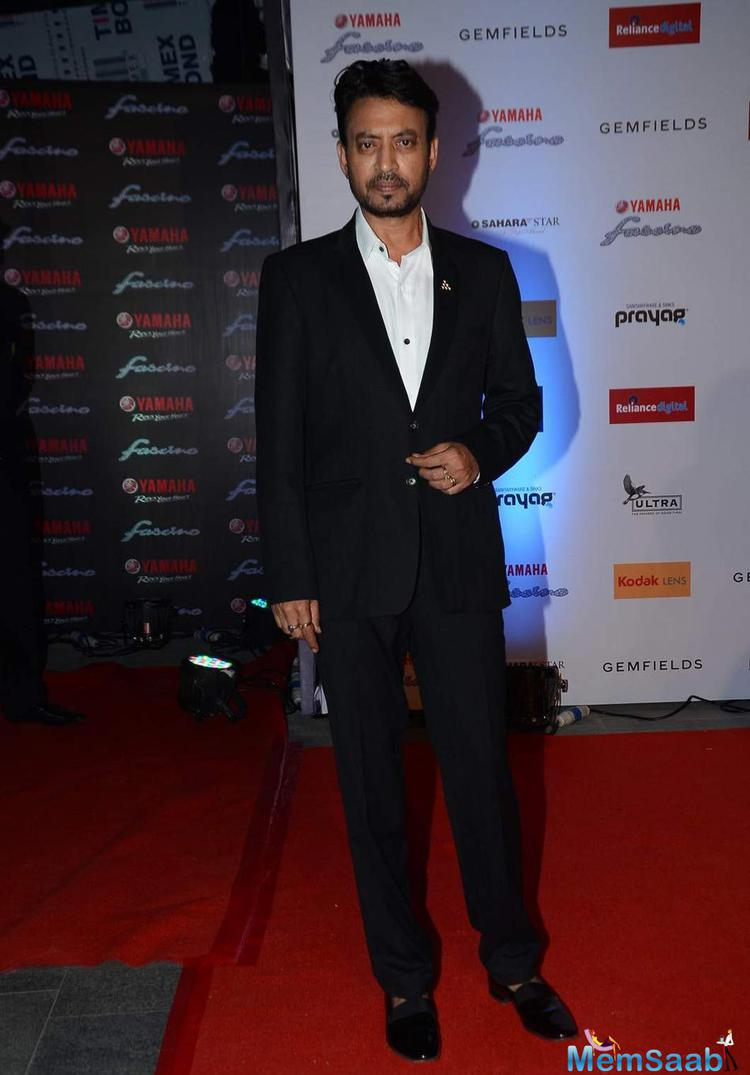 Irrfan Khan Dapper Look In Black Suit At Miss Diva 2015 Red Carpet
