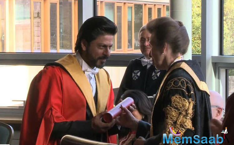 Shah Rukh Khan Receiving His Degree Of Doctor Honorius Cause From The University Of Edinburgh