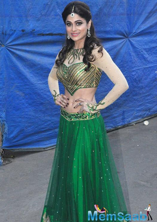 Shamita Shetty In Green Lehenga Stunning Look At Life OK Prem Ki Diwali Event