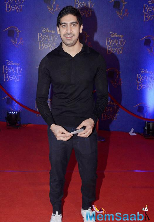Ayan Mukerji Smiling Look During The Disney Beauty And The Beast Red Carpet