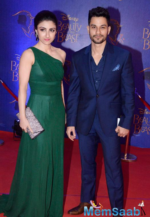 Soha Ali Khan And Hubby Kunal Khemu Clicked During The Disney Beauty And The Beast Red Carpet
