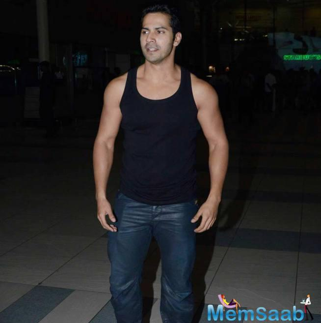 Varun Dhawan Showed Off His Buffed Up Look In A Ganji Worn With Jeans