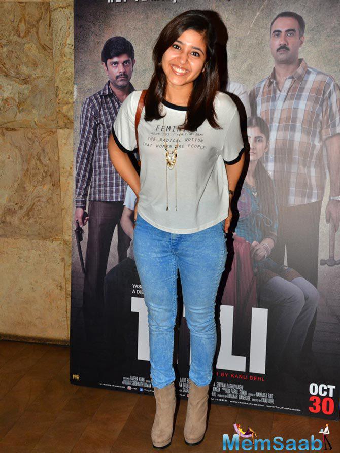 Shweta Tripathi Smiling Pose At The Screening Of Titli Movie Hosted By Ranvir Shorey