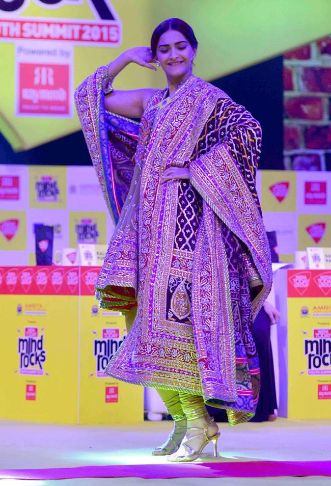 Sonam Kapoor Dazzled Look At India Today Summit 2015