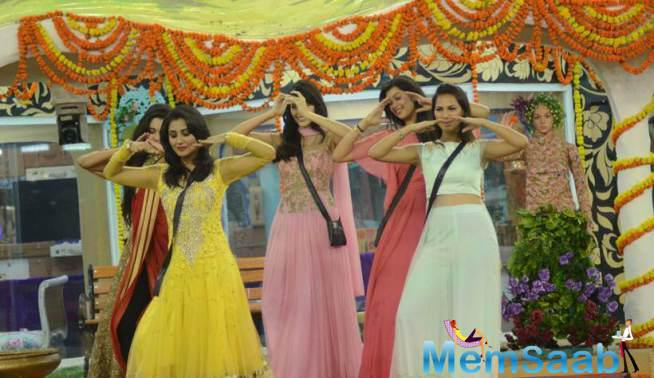 Bigg Boss Beauty Queens Danced For The Team Of PRDP