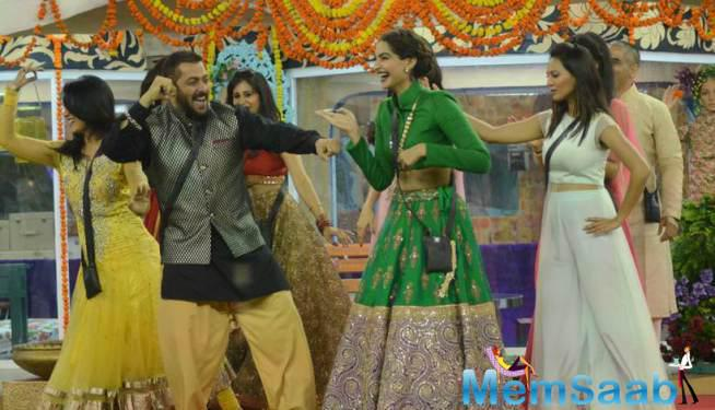 Salman And Sonam Fun During The Diwali Celebration At Bigg Boss House