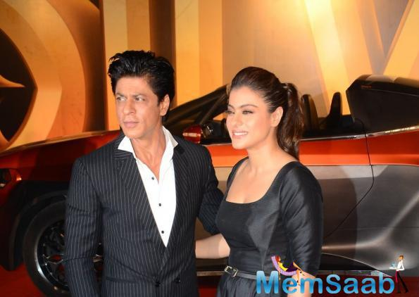 Romantic Couple Of Bollywood SRK And Kajol At Dilwale Trailer Launch