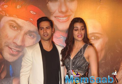 Varun And Kriti Also Present Here For Dilwale Trailer Launch