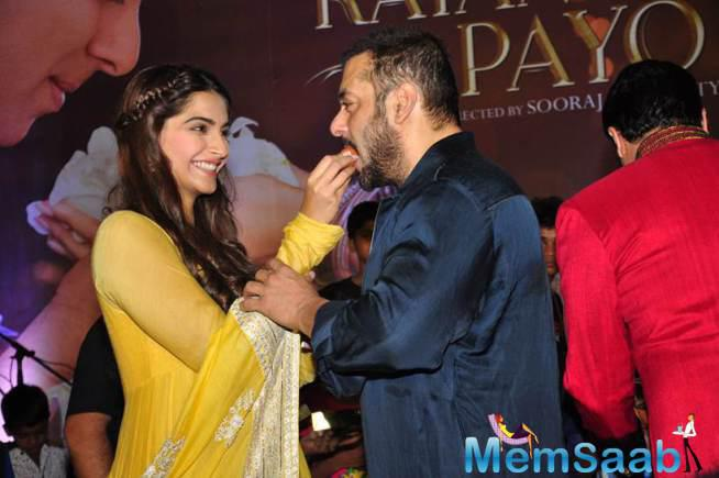 Sonam Shares Sweet With Salman During Diwali Event