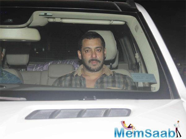 Salman Khan Is Seen Arriving At The Special Screening Of Prem Ratan Dhan Payo