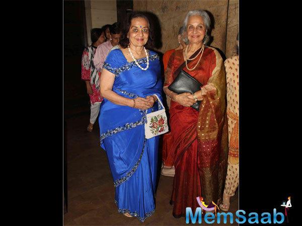 Veteran Actresses Asha Parekh And Waheeda Rehman Look Elegant And Festive In Beautiful Saree