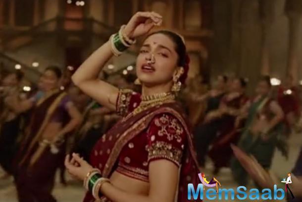 Deepika Padukone Rock The Maharashtrian Charm In Pinga