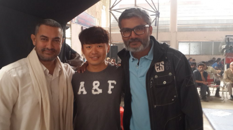 Aamir Met Up With Chinese Actor Wang Baoqiang On The Sets Of Dangal