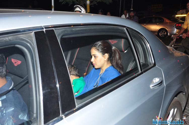 Genelia With Her Kid Snapped At Aaradhya B'day Party