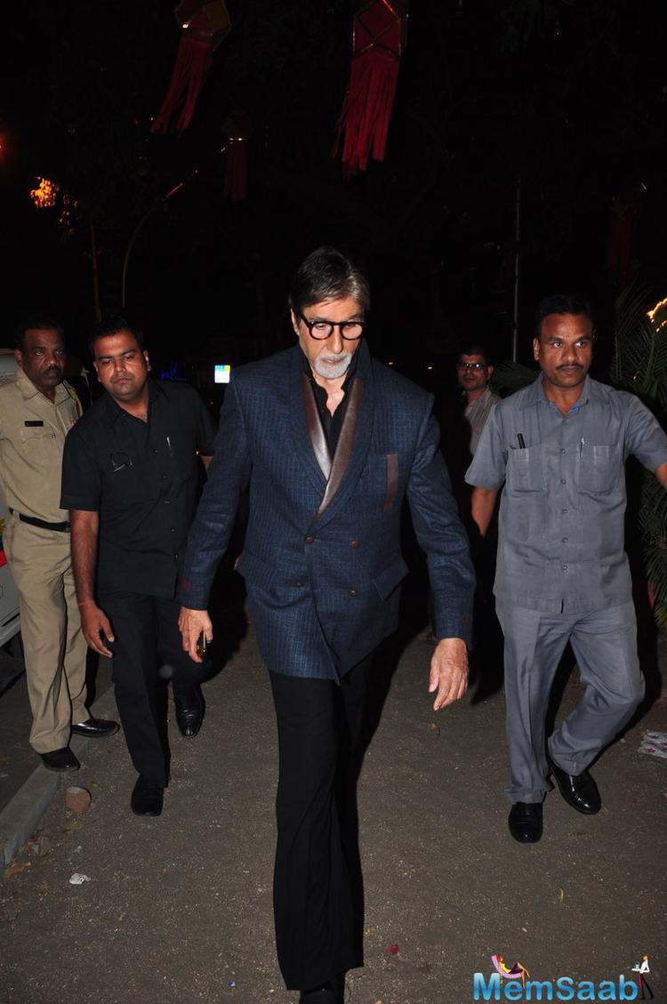 Grandfather Amitabh With Handsome Look Snapped At Aaradhya B'day Bash