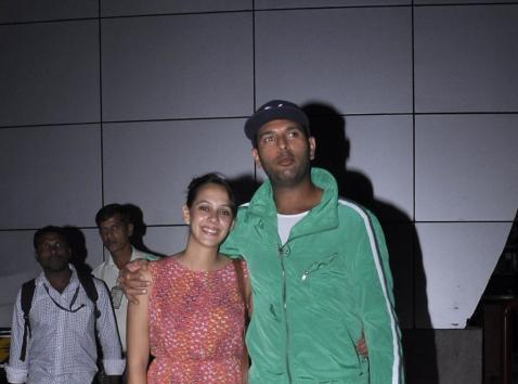Yuvi And Hazel Spotted At Mumbai Airport After Secrete Engagement