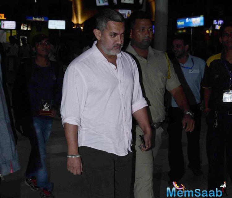 Ailing Aamir Khan Spotted At Mumbai Airport