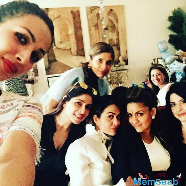 Malaika Arora Khan Takes A Groups Selfie At Natasha's Baby Shower
