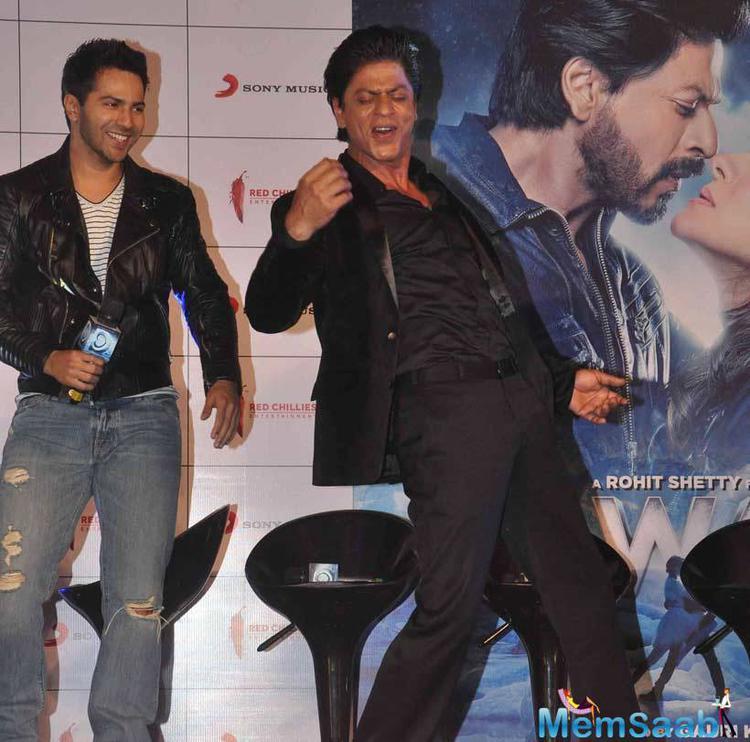 SRK Strikes His Signature Pose During Gerua Song In Mumbai