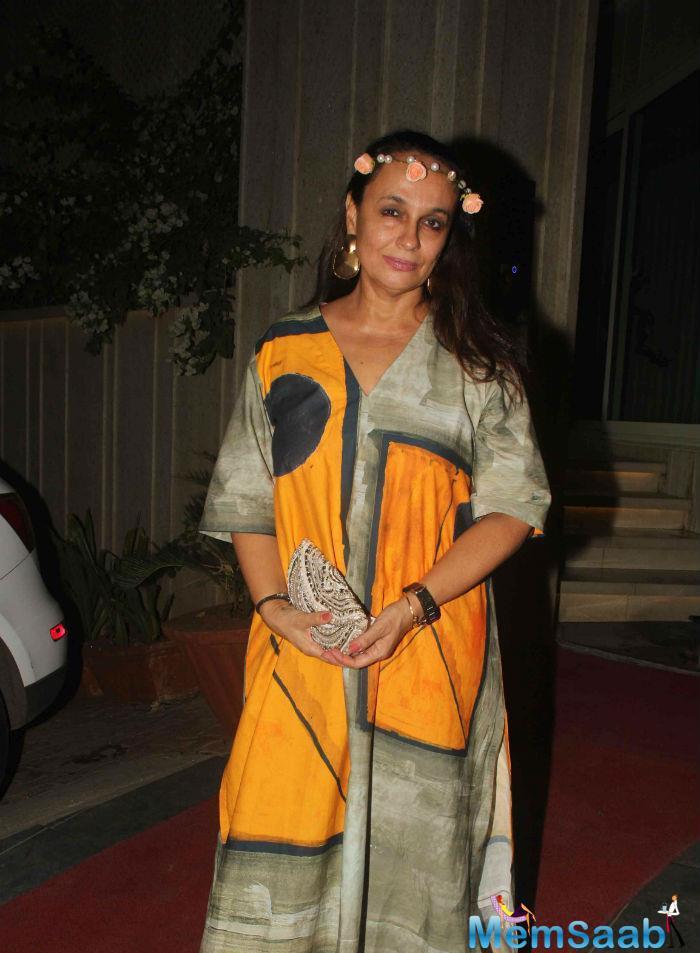 Alia Bhatt's Mother Actress Soni Razdan Posed For The Sutterbugs