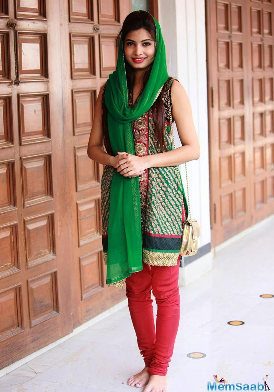Avni Modi Beautiful Look During Nanak Naam Jahaz Hai Poster Launch