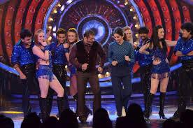 Deepika Shake A Leg With Salman On Matargashti Song At BB 9