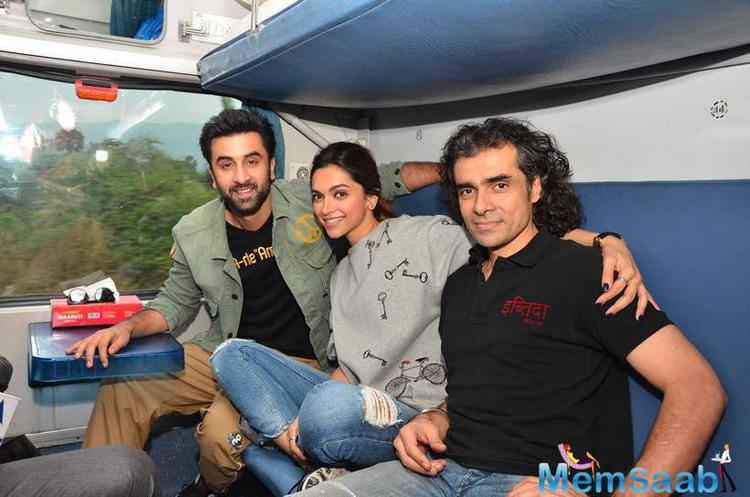 The 'Tamasha' Actors Later Posed With Their Director In Train