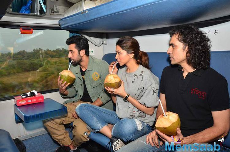 Deepika,Ranbir And Imtiaz Enjoyed Fresh Coconut Water During Travelled