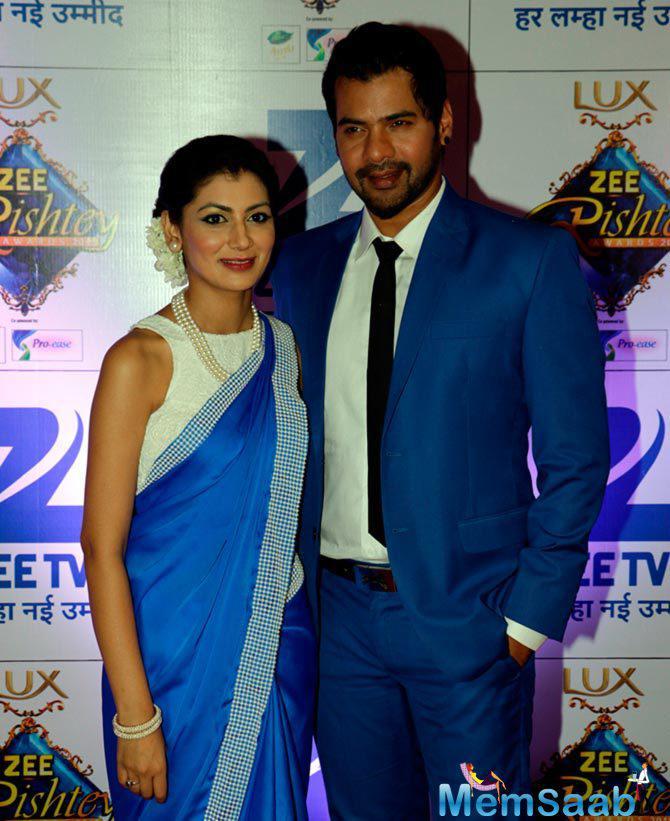 Kumkum Bhagya Co-Stars Srishti And Shabbir Arrived Together For ZRA 2015