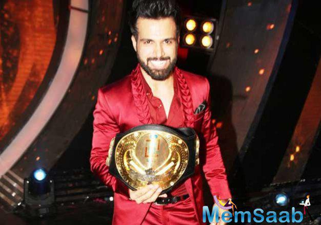 Rithvik Dhanjani Pose With His Trophy After Winning I Can Do That Season 1