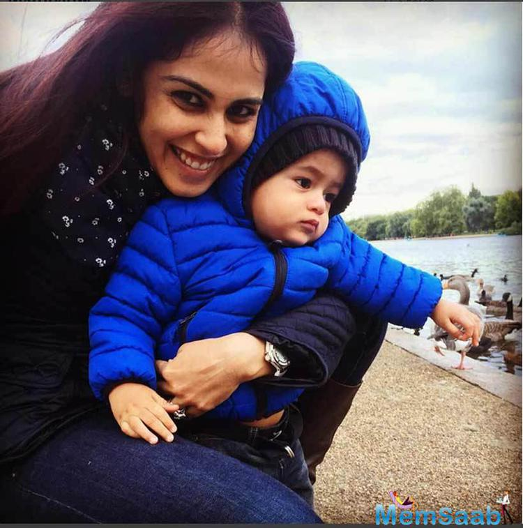 Riaan Pose With His Sweet Mom Genelia