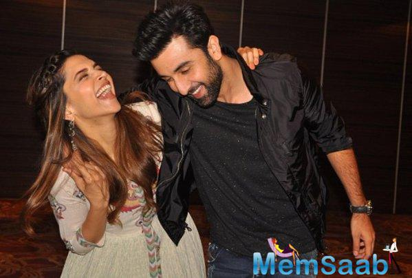 Deepika And Ranbir Is All Smiling During Promotion Of Tamasha