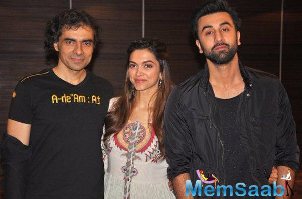 Ranbir,Deepika And Imtiaz Pose For Camera