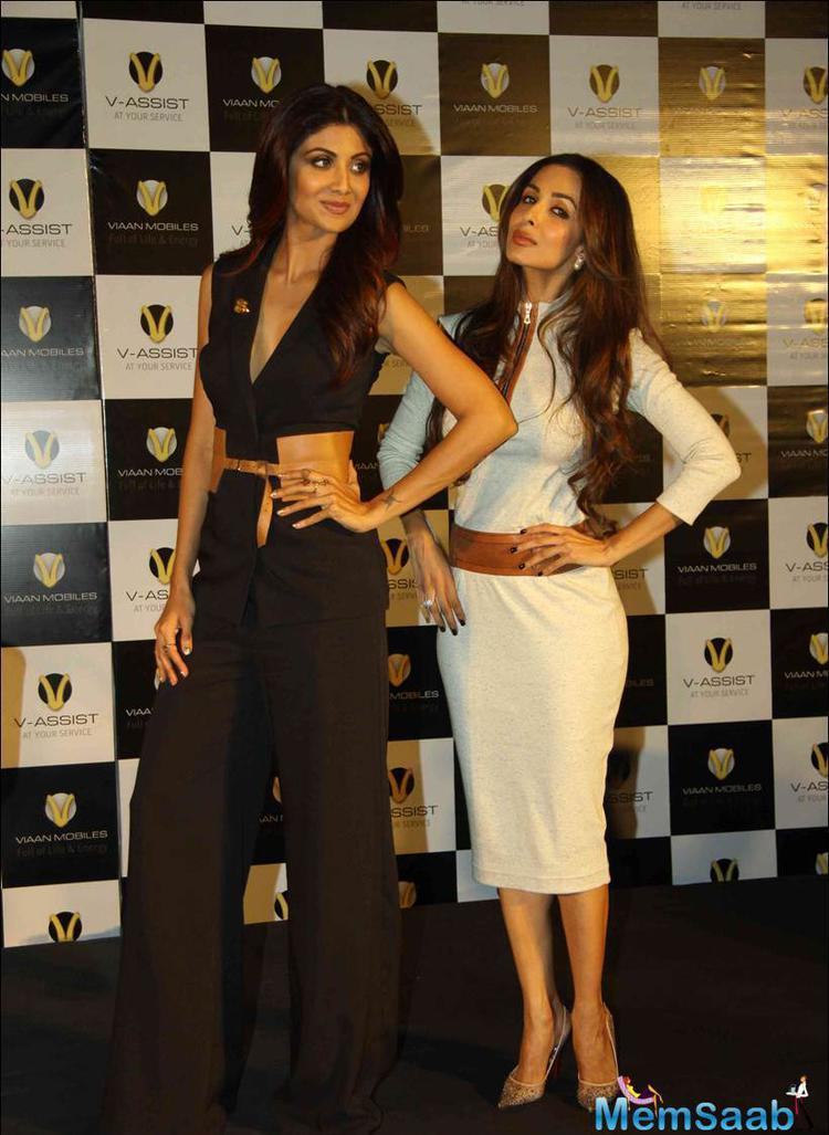 Bollywood Hot Beauties Malaika And Shilpa Were Stunning At The Launch.