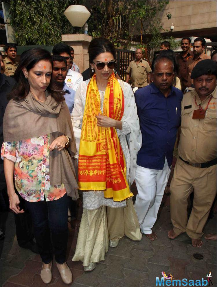 Deepika Visited ST Seeking Blessings From Lord Ganesha For Tamasha