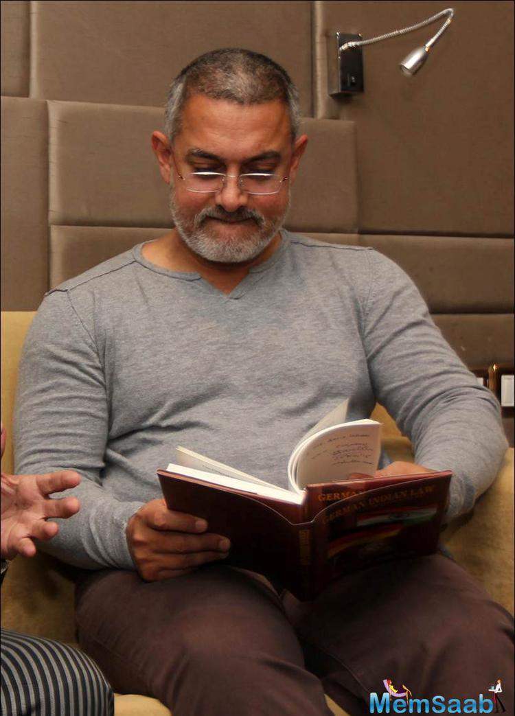 Aamir Khan Read The Book German Indian Law