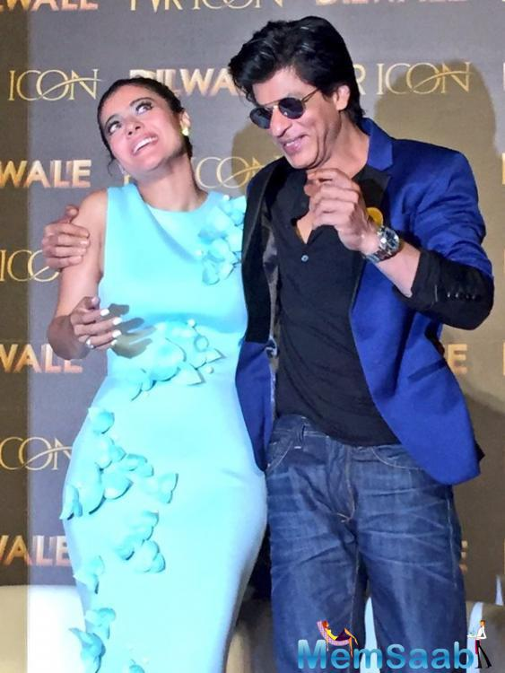 Kajol Devgan And Shah Rukh Khan Sharing A Funny Moments During Song Launch Event