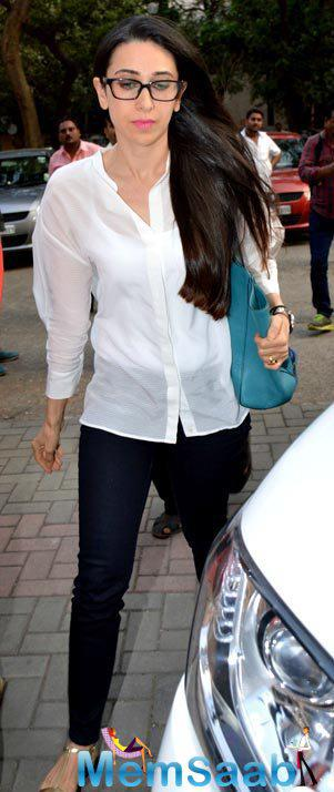 Karisma Was Seen At The Family Court In Bandra Withdraws Divorce Petition