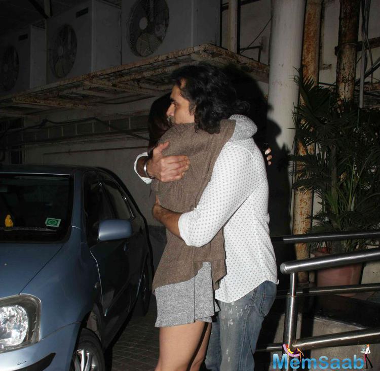 Alia Bhatt Greets The Director Imtiaz For His Movie Tamasha