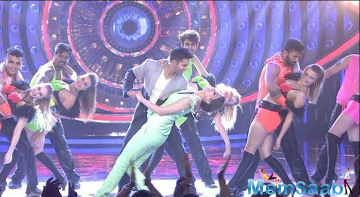Varun And Kriti Gave A Smashing Performance On The Show